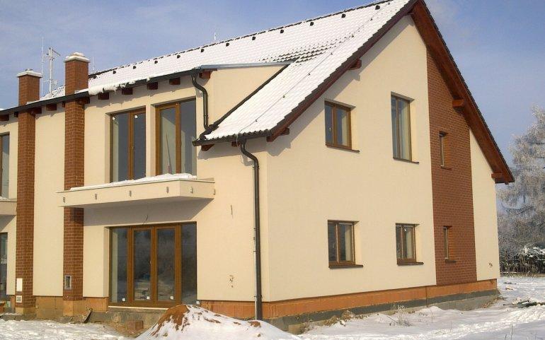 Fasáda rodinného domu v Plzni Radobyčicích