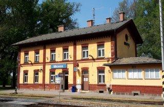 Oprava střechy - nádraží Mirovice