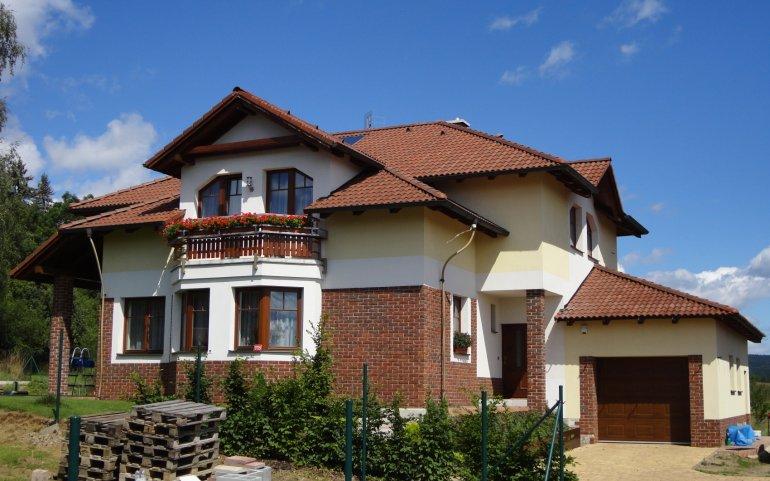 Střecha rodinného domu Dobříš