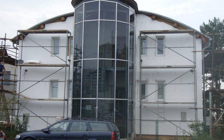Fasáda kancelářské budovy v Plzni