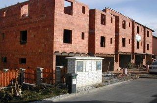Stavba 5 řadových domů - Naturmont