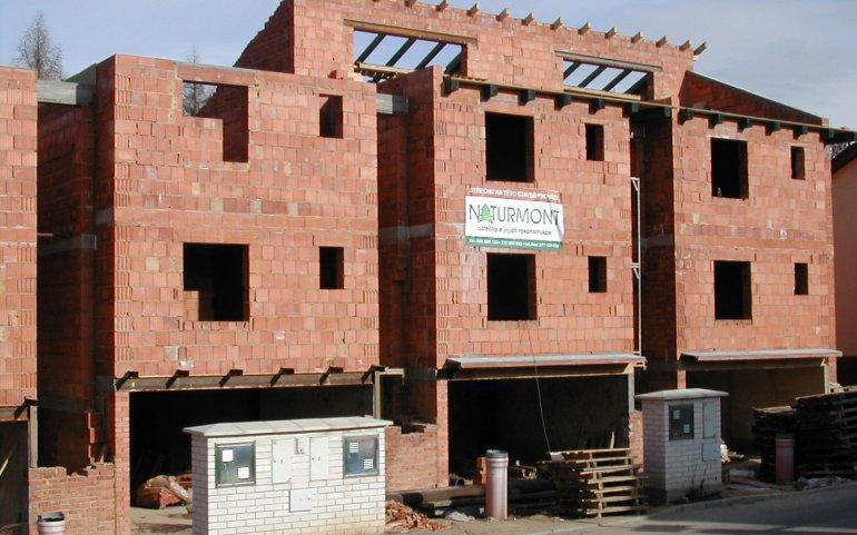 Průběh stavby řadových domů