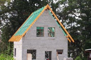 Nová střecha - chata Hracholusky