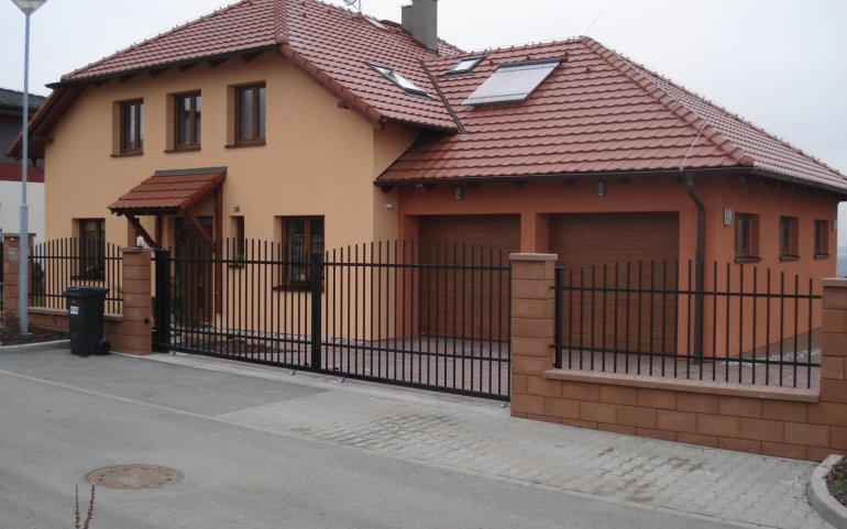 Střecha rodinného domu - Černice