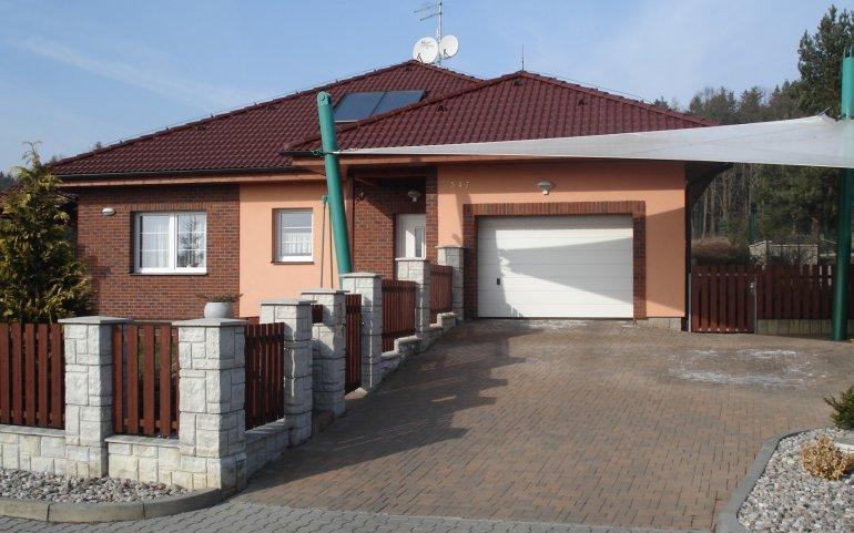 Střecha na rodinném domě v Losiné