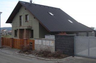 Střecha rodinného domu-Černice