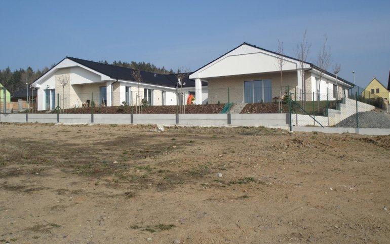 Střechy 2 rodinných domů v Losiné