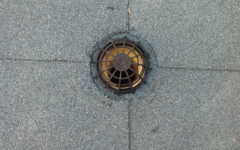 Asfaltová střecha