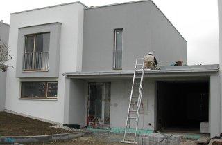Střechy řadových rodinných domů v Plzni - Černicích