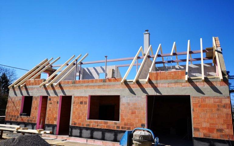 Krov střechy rodinného domu