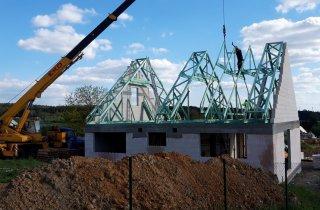 Krov střechy novostavby