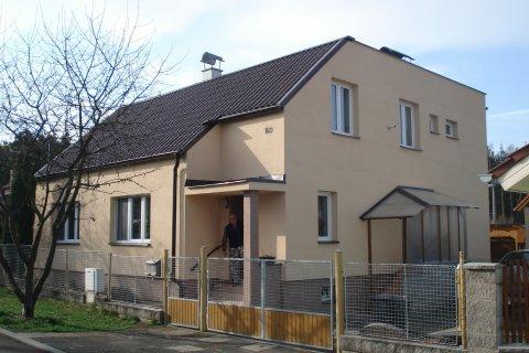 Fasáda rodinného domu - Zruč-Senec