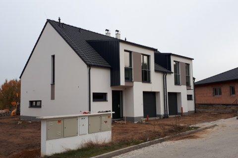 Střecha rodinného dvojdomku - Zruč