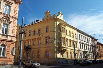 Oprava střechy bytového domu - Plzeň