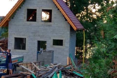 Střecha chatky - Hracholusky