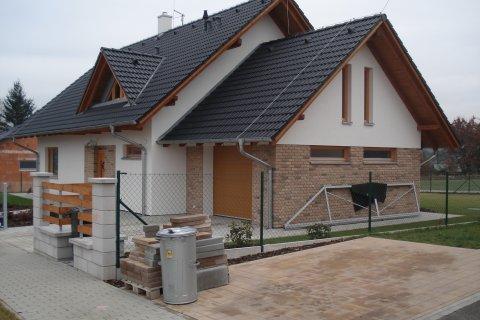 Střecha rodinného domu-Radobyčice