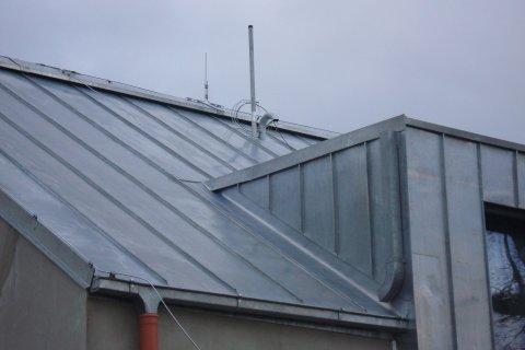 Střecha rodinného domu - falcovaná krytiny - Dolní Vlkýš