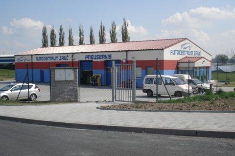 Střecha pneuservisu ve Zruči