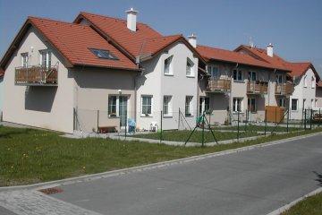 Střechy bytových jednotek Plzeň-Černice
