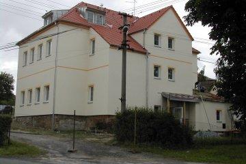 Střecha bytového domu - Pernarec