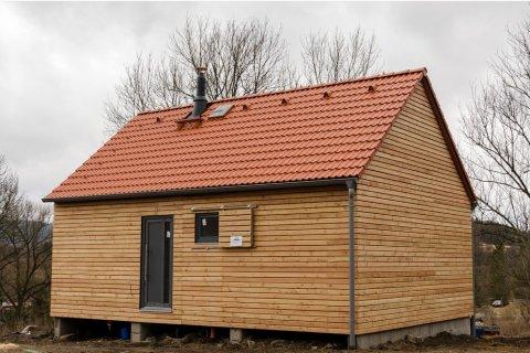 Dřevěný obklad fasády modulového domku - Český Krumlov
